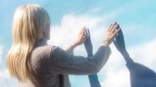 Lala Lala 'Legs, Run' music video