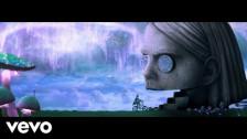 Benee 'Snail' music video