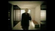 Dominique Dalcan 'L'air de rien' music video