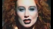 Tori Amos 'Glory of the 80's' music video