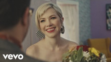Carly Rae Jepsen 'Want You In My Room' music video