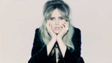 Suki Waterhouse 'Coolest Place in the World' music video