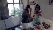LuLu 'Schnee' music video