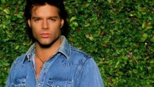 Ricky Martin 'Sólo Quiero Amarte (Nobody Wants To Be Lonely)' music video