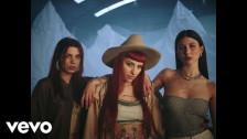 Cazzu 'Dándote' music video
