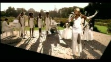 Mary J. Blige '(You Make Me Feel Like) A Natural Woman' music video