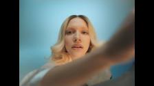 Tove Styrke 'Mood Swings' music video