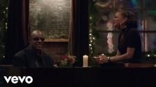 Stevie Wonder 'Someday At Christmas' music video