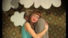 Missincat 'Back on My Feet' music video