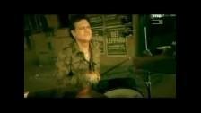 Def Leppard 'Rock On' music video