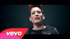 Greta 'Due Come Tutti' music video