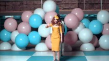 Paloma Faith 'Upside Down' music video