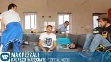 Max Pezzali 'Ragazzo inadeguato' music video