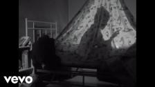 Marracash 'QUELLI CHE NON PENSANO - Il cervello' music video