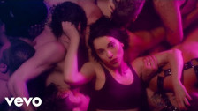 St. Vincent 'Fast Slow Disco' music video