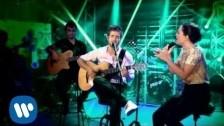 Pablo Alborán 'Perdóname (con Carminho)' music video
