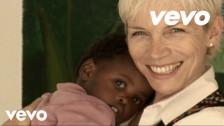 Annie Lennox 'Sing' music video