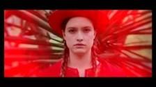 SchulKid 'La La Lave' music video