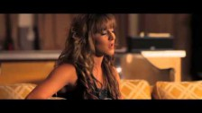 Veronica Ballestrini 'Don't Give Up On Me' music video