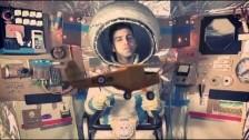Colapesce 'Anche oggi si dorme domani' music video