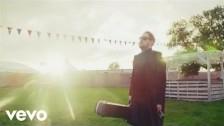 Gavin James 'Nervous (The Ooh Song) (Mark McCabe Remix)' music video
