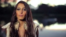 Soraya Hama 'T'as changé' music video