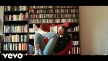 Sigrid 'Plot Twist' music video