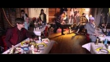 Masquer 'Bills Bills Bills' music video
