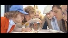 Quilt 'Roller' music video