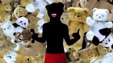 Riva 'Retina' music video