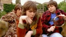 Supergrass 'Alright' music video