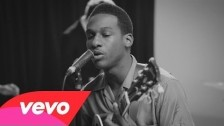 Leon Bridges 'Better Man' music video
