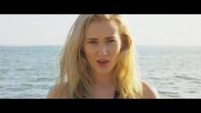 Arcaves 'Familiar Stranger' music video