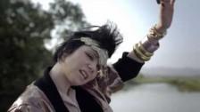 Ally 'Sole di festa' music video