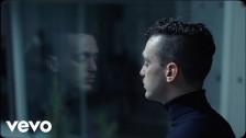C. Tangana 'Comerte Entera' music video