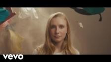 Billie Marten 'Lionhearted' music video