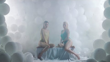 Canova 'Threesome' music video
