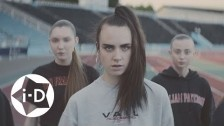MØ 'Walk This Way' music video