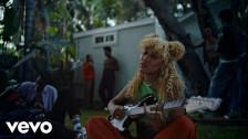 Fousheé 'Gold Fronts' music video