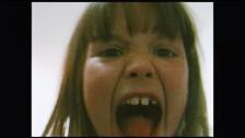 Angèle 'Flou' music video