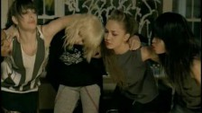Ashlee Simpson 'L.O.V.E.' music video