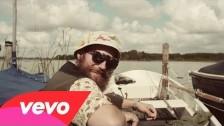 MC Fitti 'Mama Halblang' music video
