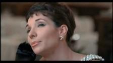 Soho (2) 'Fragole infinite' music video