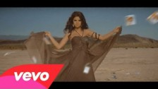 Selena Gomez 'Un Año Sin Lluvia' music video