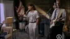 Mike + The Mechanics 'Taken In' music video