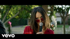 Liz Huett 'H8U' music video