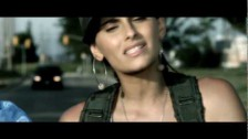 Nelly Furtado 'Manos Al Aire' music video