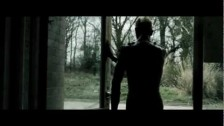 Lyla Foy 'Shoestring' music video