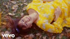 Mallrat 'Charlie' music video
