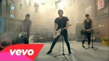 5 Seconds Of Summer 'She Looks So Perfect' music video